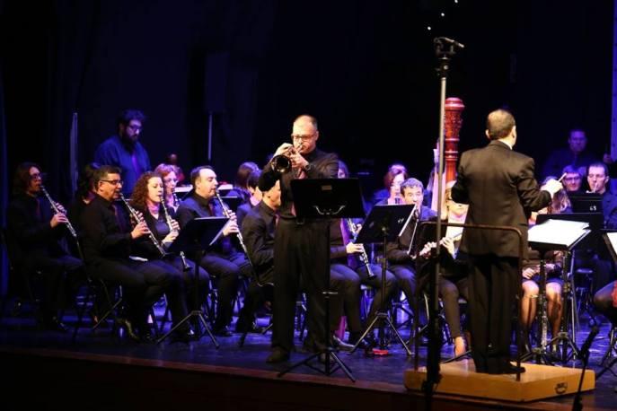 Con PROESO interpretando Destellos en la Penumbra de Teo Aparicio y dirigida por el compositor, febrero de 2017