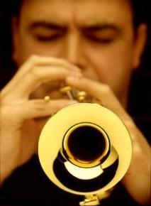 """En el Calendario de 2001 de Graficas Celarayn – Imagen MAS, Tema: """"La Música"""""""
