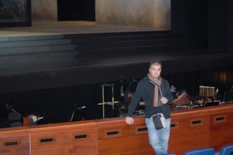 En el Palau de les Arts Reina Sofia de Valencia. Banda Interna de la ópera Don Carlo de Verdi, con lorin Maazel, Jordi Bernacer y Francisco Perales, diciembre de 2007