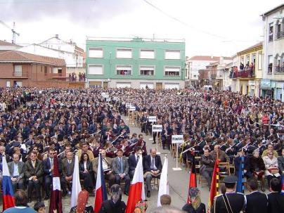 En el Encuentro de Bandas de Castilla y León, Santa María del Páramo (León), mayo de 2004