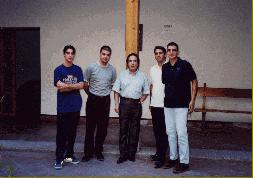 Con Enrique García Asensio y compañeros del Curso de Dirección de Banda y Orquesta, Toledo, julio de 2000
