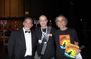 Con PROESO en el Palau de les Arts de Valencia como Director Artístico del Proyecto SolidariPop, 12 de abril de 2014. Con los presentadores del acto, Rafa Vives y Antoni Talens.