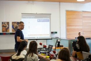 """Momento de la ponencia """"Los lenguajes del audiovisual como medio de expresión"""", Jornades Innovació Arts Castelló 2016"""